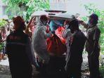evakuasi-sri-sumiyati-56-warga-dukuh-banaran-rt-25-desa-banaran.jpg
