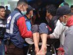 evakuasipenambang-yang-tertimbun-longsor-material-galian-cdi-desa-sumbaga-kecamatan-bunijawa.jpg