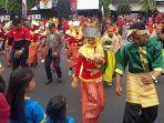 flashmob-indonesia-menari-bagian-dari-jawa-tengah-kampung-bhinneka.jpg