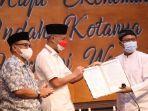 ganjar-pranowo-terpilih-menjadi-ketua-umum-persatuan-radio-tv-publik-daerah-se-indonesia.jpg