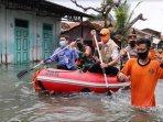 ganjar-tinjau-banjir-pekalongan2.jpg