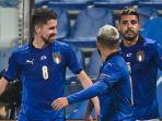 gelandang-italia-jorginho-kiri-merayakan-gol.jpg