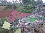 gempa-bumi-melanda-banjarnegara-kerusakan-parah-di-kalibening_20180419_074750.jpg