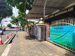 gerbang-utama-halaman-depan-masjid-agung-baitussalam-purwokert.jpg