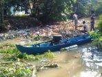 gilir-bersatu-bersihkan-sampah-sungai.jpg