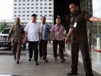 gubernur-bengkulu-ridwan-mukti-tiba-di-kpk_20170622_085007.jpg