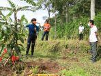 gubernur-jateng-ganjar-pranowo-saat-mengikuti-gerakan-penanaman-pohon.jpg