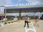 gubernur-jateng-ganjar-pranowo-saat-meninjau-jalan-tol-ruas-bawen-salatiga_20170608_123130.jpg