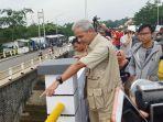 gubernur-jawa-tengah-ganjar-pranowo-di-jembatan-kesesi-di-kecamatan-kesesi-kabupaten-pekalongan.jpg