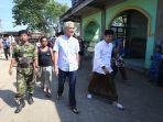 gubernur-jawa-tengah-ganjar-pranowo-saat-mendatangi-kampung-mangut.jpg