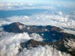 gunung-rinjani-destinasi-favorit-wisatawan_20180731_204041.jpg