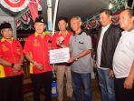 gusdurian-pati-serahkan-donasi-masyarakat-untuk-korban-gempa-dan-tsunami-di-sulteng_20181011_122703.jpg