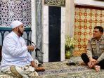habib-syeh-bin-abdul-qadir-assegaf-saat-bertemu-dengan-kapolresta-solo.jpg