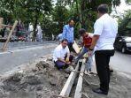 hendrar-prihadi-mengecek-pekerjaan-pembangunan-pedestrian-a-dahlan_20171130_101239.jpg