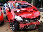 ilustrasi-kecelakaan-tabrakan-mobil-di-jakarta.jpg