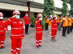 ilustrasi-relawan-palang-merah-indonesia-pmi-kabupaten-tegal-sedang-melak.jpg