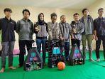 im-urt-roso-unissula-memperlihatkan-robot-yang-berhasil-menjuarai-kontes-robot-indonesia_20180716_194303.jpg