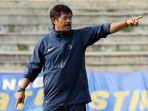 indra-sjafri-kembali-menjadi-pelatih-timnas-u-19-indonesia_20180427_203410.jpg