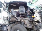info-kecelakaan-terkini-sebuah-truk-trailer.jpg