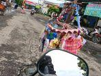 jalan-berlubang-di-jalan-cisadane-kelurahan-kebondalem-kecamatan-pemalang-dipasangi-orang.jpg