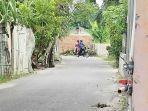 jalan-ditutup-dengan-tembok-batu-bata-di-kelurahan-penghentian-marpoyan.jpg