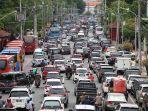 jalan-pemuda-kota-semarang-dipadati-kendaraan-27-des_20171227_171804.jpg