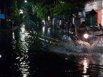 jalan-terendam-banjir.jpg