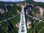 jembatan-kaca_20160822_201933.jpg
