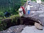 jembatan-kaligintung-rusak.jpg