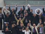 jose-mourinho-di-tengah-suporter-west-ham_20151024_235628.jpg