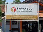kantor-bawaslu-kabupaten-pekalongan-indra-dwi.jpg