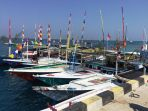 kapal-peserta-lomba-kapal-hias-dalam-rangka-sail-karimunjawa-2017-rabu_20170920_132944.jpg