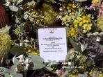 karangan-bunga-pangeran-philip-oleh-gubernur-victoria-linda-dessau.jpg
