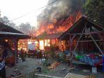 kebakaran-dahsyat-melanda-4-rumah-warga-di-karangawen-demak_20170908_165509.jpg