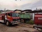 kebakaran-gudang-sepeda-terboyo_20171109_191347.jpg
