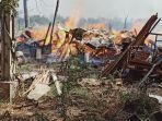 kebakaran-melanda-sebuah-tempat-pembuatan-gazebo-di-dukuh-karangdowo-desa-kutoharjo.jpg