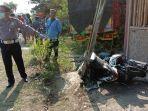 kecelakaan-beruntun-antara-2-truk-dan-sebuah-sepeda-motor-di-ngawi.jpg