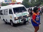 kecelakaan-lalu-lintas-antara-mobil-ambulans-milik-rs-elisabeth-semarang-deng.jpg