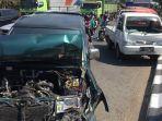 kecelakaan-lalu-lintas-di-perempatan-hanoman-semarang-senin-1572019.jpg