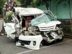 kecelakaan-luxio-vs-bus-di-tasikmalaya.jpg