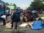 kecelakaan-maut-kijang-vs-truk-di-jalan-raya-trans-nasional-di-dusun-bogang-desa-beji.jpg
