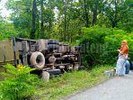 kecelakaan-truk-boks-hutan-blora.jpg