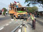 kecelakaan-truk-di-demak-2.jpg