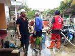 kegiatan-yang-dilakukan-oleh-tim-pmi-kabupaten-tegal-saat-membantu-korban-benc.jpg