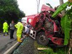 kejadian-kecelakaan-antara-dua-truk-tangki-pertamina-di-jalan-raya-pa.jpg