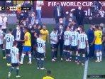 kekacauan-laga-brasil-vs-argentina.jpg