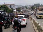 kemacetan-jelang-underpass-jatingaleh_20170321_140205.jpg