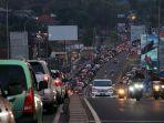 kemacetan-panjang-di-underpass-jatingaleh-saat-pulang-kerja_20180917_192208.jpg