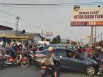 kemacetan-panjang-terjadi-di-ruas-jalan-nasional-di-perbatasan-kabupaten-tegal.jpg