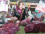 kenapa-daging-kerbau-di-indonesia-lebih-mahal-ketimbang-di-malaysia_20161007_112032.jpg